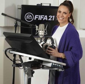 Esther Sedlaczek als Studioreporterin für FIFA21